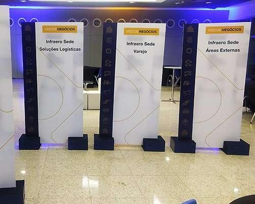 Locação Totem MDF - Evento Aeroporto